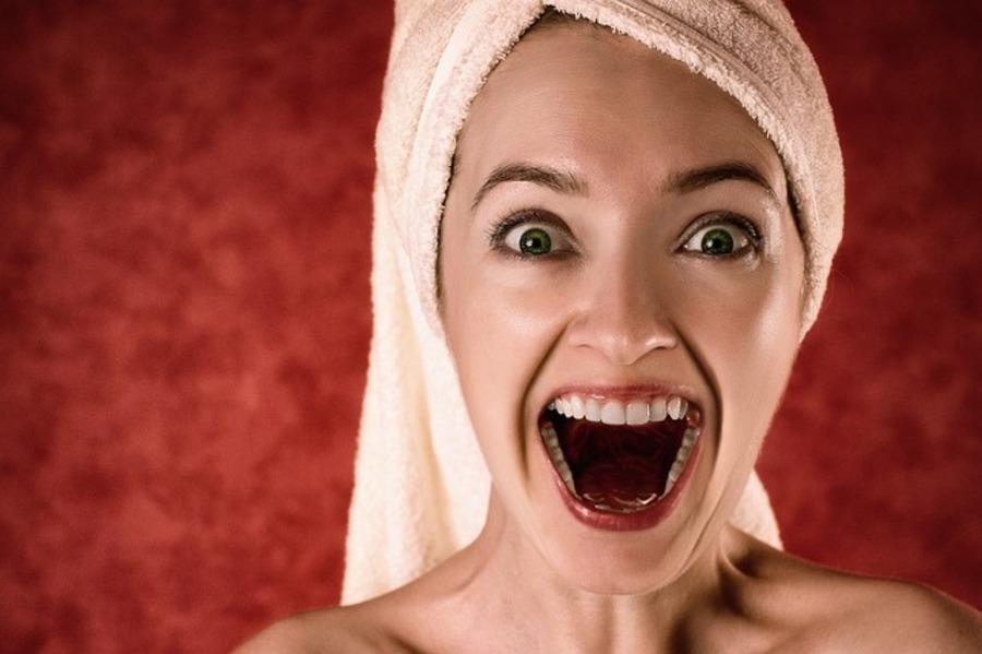 【夢占い】歯が抜ける夢の意味とは?最近ストレス溜まってない?その夢は要注意メッセージ!